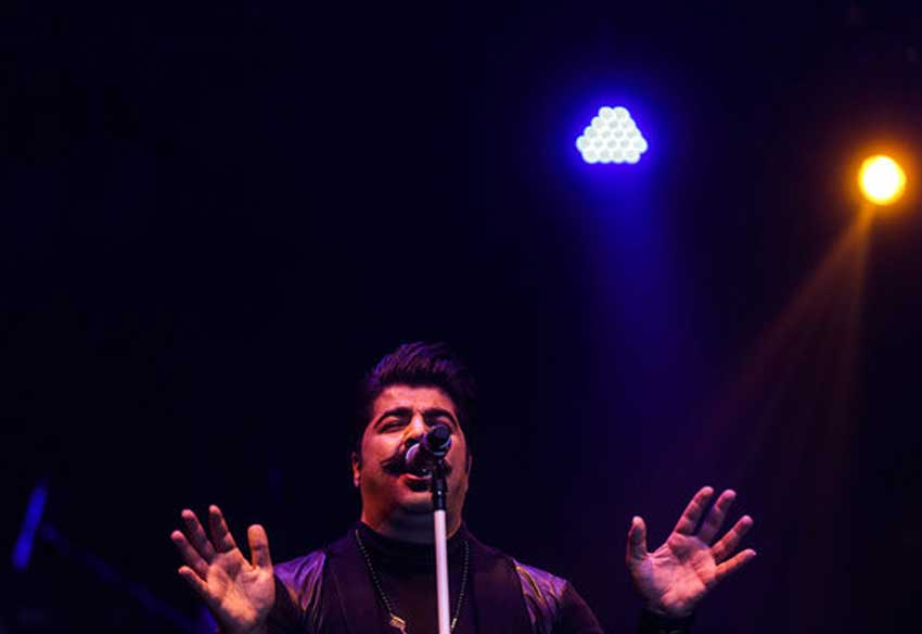 اجرای پاپ سی و چهارمین جشنواره موسیقی فجر توسط بهنام بانی