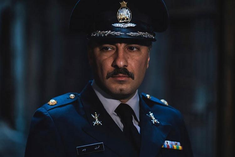 فیلم سرخ پوست دومین فیلم نیما جاویدی، با بازی نوید محمد زاده و پریناز ایزدیار