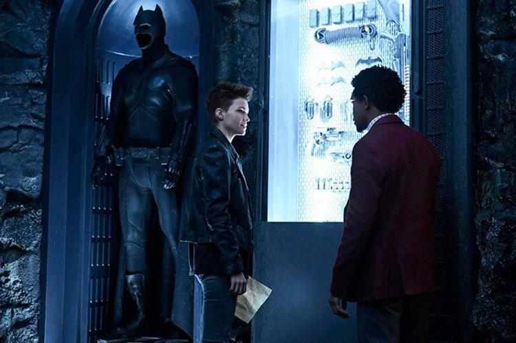 تصاویر و پوستر سریال بت وومن - Batwoman