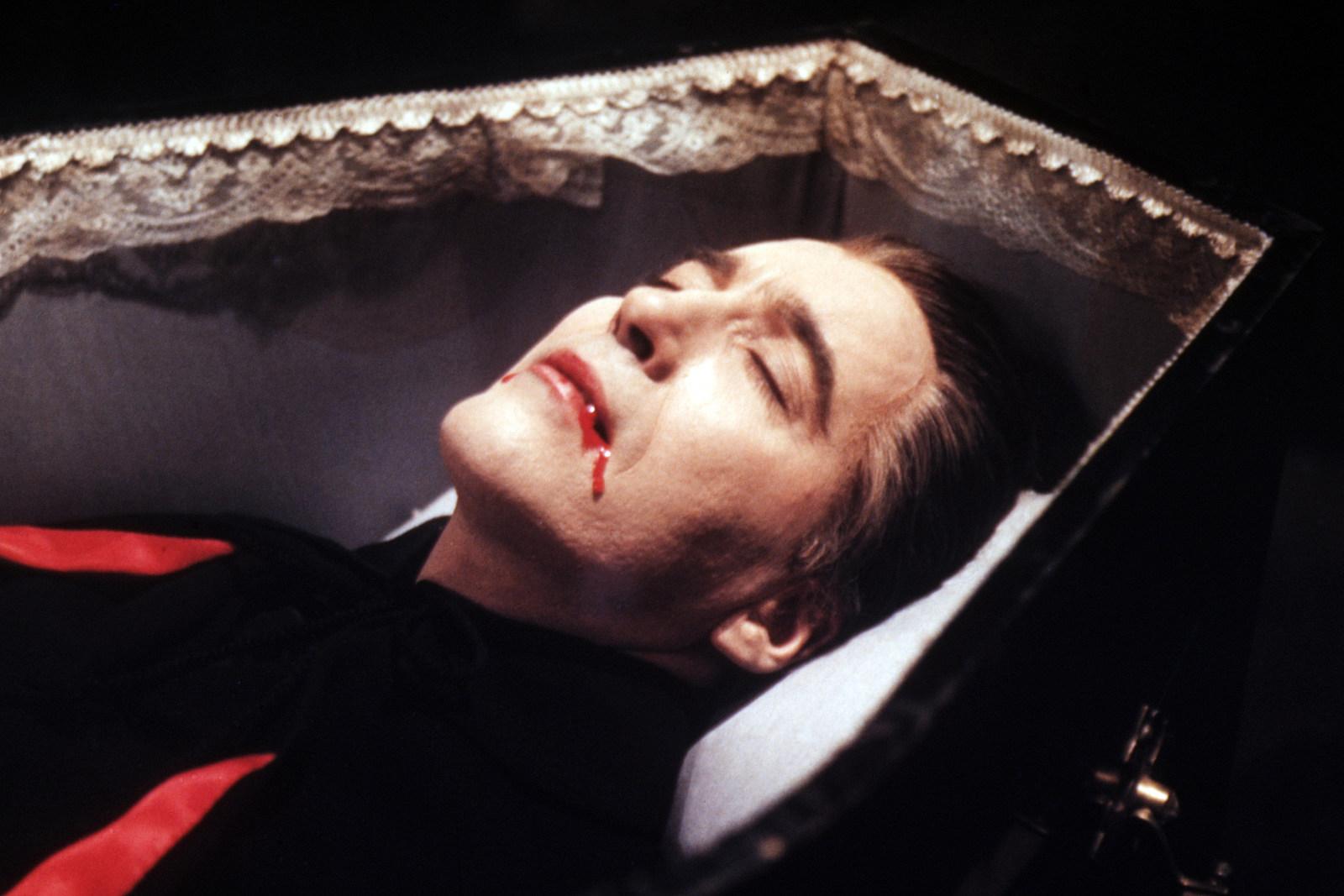 دانلود فیلم خون آشامی تابوت دراکولا – Dracula's Coffin